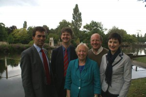 Tom Brake MP, Caroline Pidgeon AM and Hamish, Jill and Alan by the Pond Railings before the major TFL works started recently